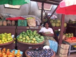 Yaoundé-Market-500x375